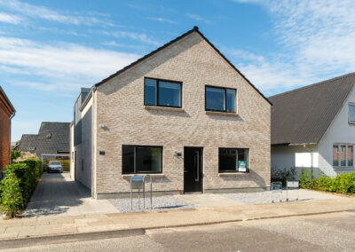 To lejligheder på 121- og 123 m²